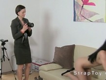Amateur sucking strap on toy on casting
