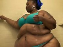 Black SSBBW in bathroom
